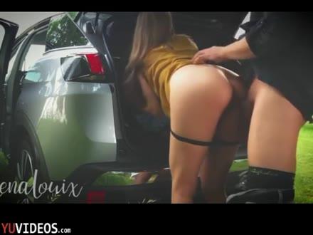 Giovane Mogliettina Scopata in Campagna