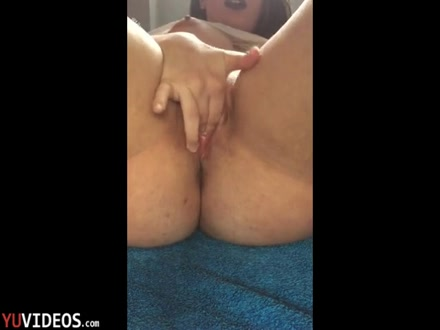 Studentessa 18enne squirta